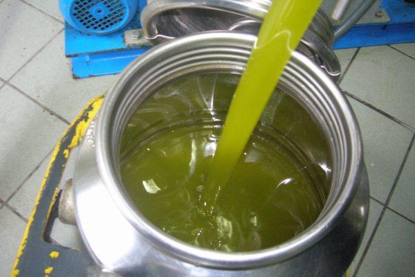 1. Olio 3- bidone olio