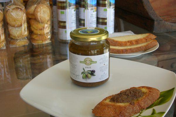 3. Pate Olive 5 - fetta pane